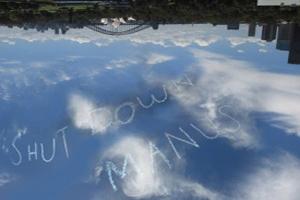 website_ShutDownManus_upsidedown_PhotoShayneChester-300x218